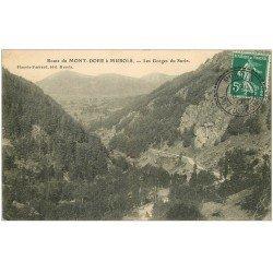 carte postale ancienne 63 LES GORGES DU SURIN. Route du Mont-Dore à Murols 1908