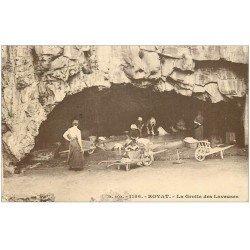 carte postale ancienne 63 ROYAT. Grotte des Laveuses 1923