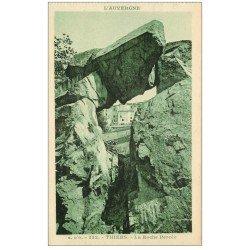 carte postale ancienne 63 THIERS. La Roche Percée