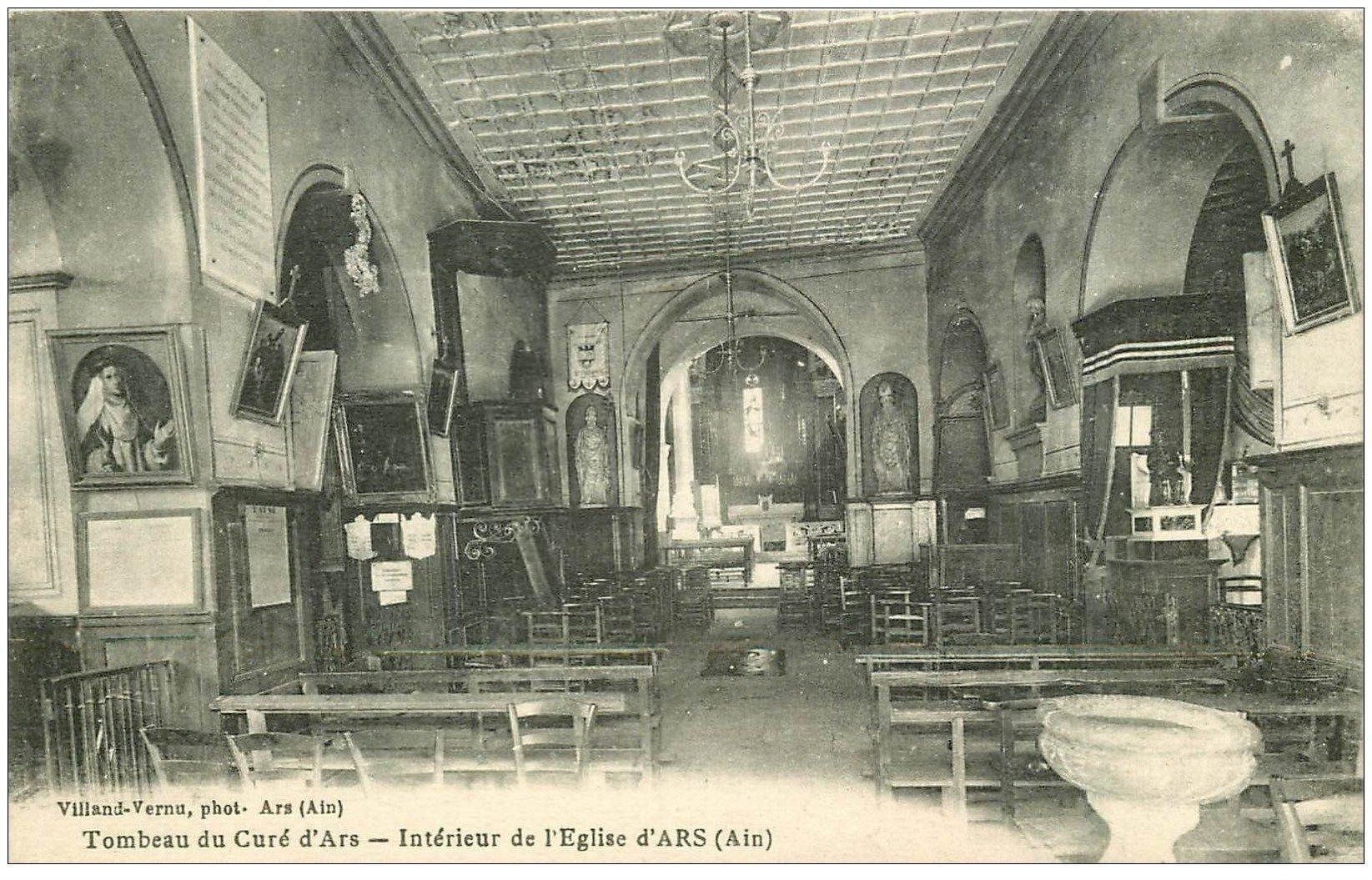 carte postale ancienne 01 Ars. Eglise avec Tombeau du Curé