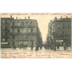 carte postale ancienne 34 BEZIERS. Place et Rue de la République 1903. Au Père de Famille et Chapellerie