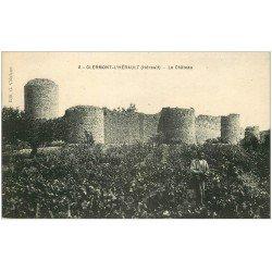 carte postale ancienne 34 CLERMONT-L'HERAULT. Château et Vigneron dans vignoble 1922
