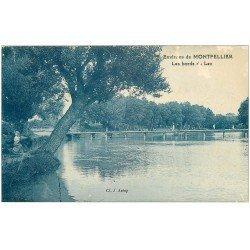 carte postale ancienne 34 LES BORDS DU LEZ. Chevrière assise à gauche