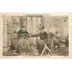 carte postale ancienne 03 BOURBONNAIS. Fileuses 1936. Vieux métiers