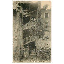 carte postale ancienne 46 CAHORS. Rue du Four Femme aux étages et Gamin en bas