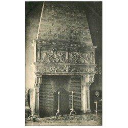 carte postale ancienne 46 CASTELNAU-BRETENOUX. Château Cheminée