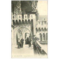 carte postale ancienne 46 ROCAMADOUR. Passage Tombeau Saint-Amadour