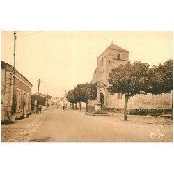 carte postale ancienne 17 BROUAGE. Une Rue et Eglise. Aigues-Mortes de la Saintonge. Editions Bergevin