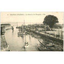 carte postale ancienne 17 CHATEAU D'OLERON. Chenal et Remparts