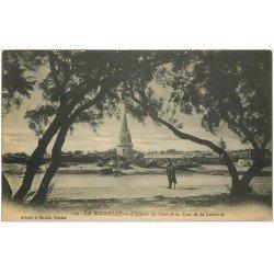 carte postale ancienne 17 LA ROCHELLE. Entrée du Port et Tour de la Lanterne