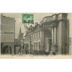 carte postale ancienne 17 LA ROCHELLE. Halle aux Poissons Rue Saint-Jean 1916