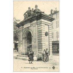 carte postale ancienne 17 ROCHEFORT-SUR-MER. Fontaine Monumentale Place Colbert. Chemiserie