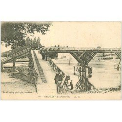carte postale ancienne 17 SAINTES. La Passerelles