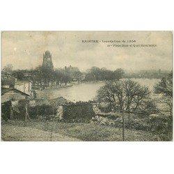 carte postale ancienne 17 SAINTES. Place Blair et Quai Reverseaux inondatio de 1904