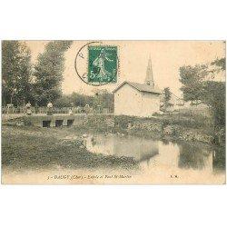 carte postale ancienne 18 BAUGY. Entrée et Pont Saint-Martin 1907