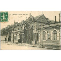 carte postale ancienne 18 BOURGES. Ecole de Pyrotechnie animée 1913