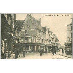 carte postale ancienne 18 BOURGES. Grand Comptoir de Paris Place Gordaine . Kiosque à journaux et Tabac