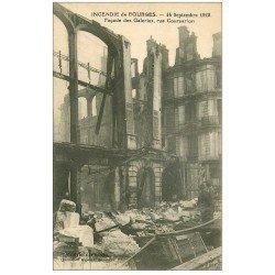 carte postale ancienne 18 BOURGES. Incendie 1928. Galeries rue Coursarlon avec personnages