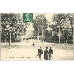 carte postale ancienne 18 BOURGES. L'Avenue de la Gare animée. Timbre Taxe 1909