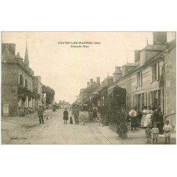 carte postale ancienne 18 COURS-LES-BARRES. Grande Rue grosse animation