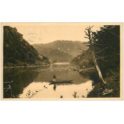 carte postale ancienne 19 BEAULIEU-SUR-DORDOGNE. A la Ferrière 1937. Pêche et Canotage