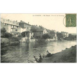 carte postale ancienne 19 BORT. Lavandières Quartier du Fauborg 1918