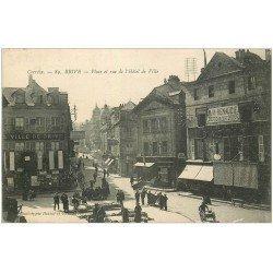 carte postale ancienne 19 BRIVE. Grande Place et Rue de l'Hôtel de Ville 1903. Maison Renaudie