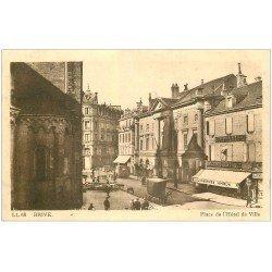carte postale ancienne 19 BRIVE. Place de l'Hôtel de Ville. Epicerie Centrale LL 68
