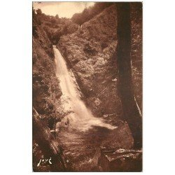 carte postale ancienne 19 GIMEL Cascades. La Queue du Cheval 1945