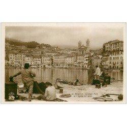 carte postale ancienne 20 BASTIA. Pêcheurs au Vieux Port et Eglise Saint-Jean. Carte Photo émaillographie