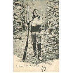 carte postale ancienne 20 VENZOLASCA. La Bergère avec son fusil. Timbre Italien vers 1905