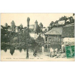 carte postale ancienne 21 SEMUR. L'Armançon et le Donjon. Lavandières Laveuses 1913