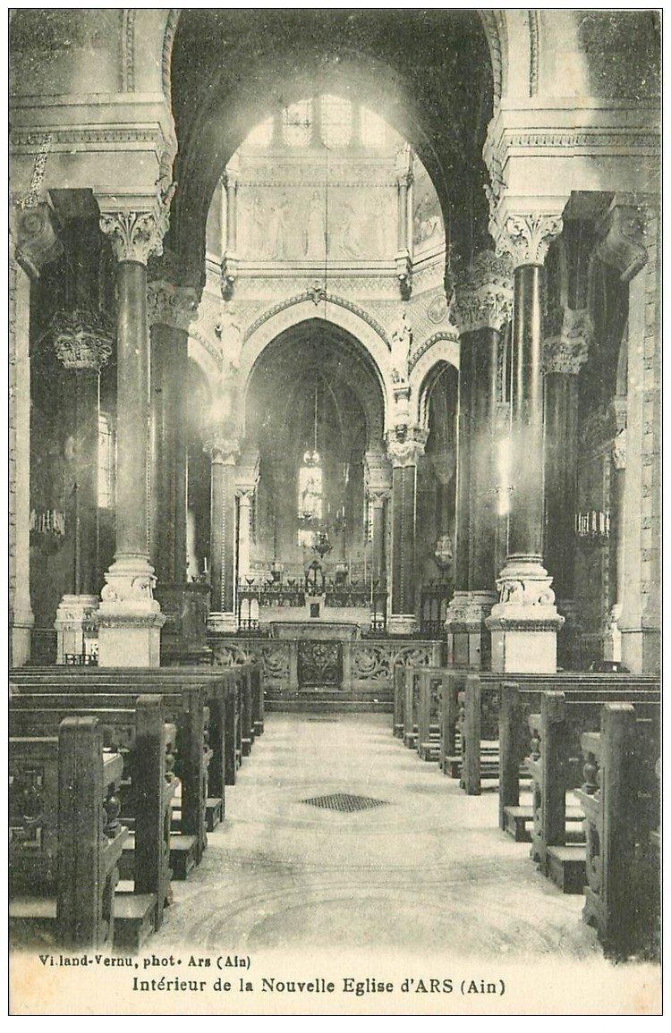 carte postale ancienne 01 Ars. Intérieur Nouvelle Eglise