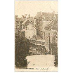 carte postale ancienne 22 CHATEAULAUDREN. Lavandière Rue de la Cascade