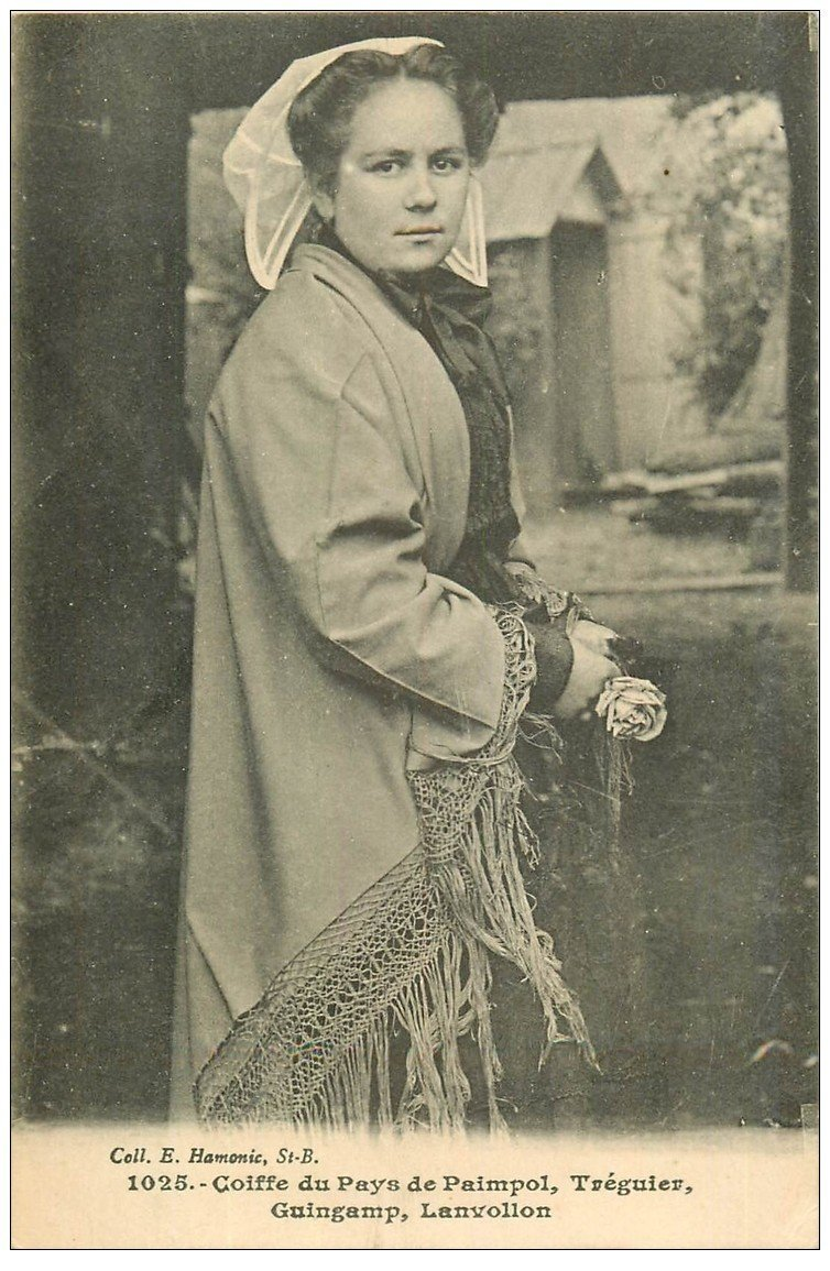 carte postale ancienne 22 Coiffe du Pays de Paimpol, Tréguier, Guingamp et Lanvollon 1918