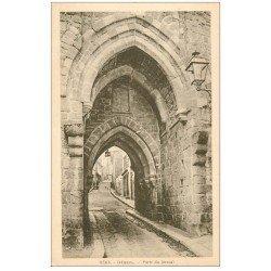 carte postale ancienne 22 DINAN. Porte du Jerzual 2365