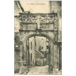 carte postale ancienne 22 DINAN. Porte du Pélican Hôtel des Beaumanoir 1912