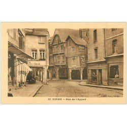 carte postale ancienne 22 DINAN. Rue de l'Apport. Pâtisserie, Cordonnerie et Pharmacie Normale