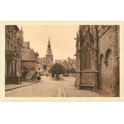 carte postale ancienne 22 DINAN. Tour de l'Horloge Place Saint-Sauveur n°10