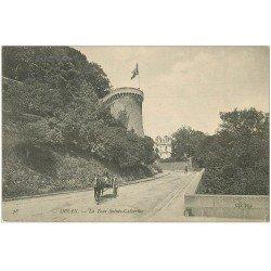 carte postale ancienne 22 DINAN. Tour Sainte-Catherine et Attelage