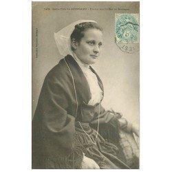 carte postale ancienne 22 GUINGAMP. Etude des Coiffes de Bretagne 1905