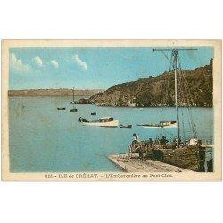 carte postale ancienne 22 ILE DE BREHAT. L'Embarcadère au Port Clos 1932. Chargement du Poisson sur Charrette