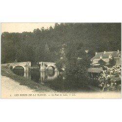 carte postale ancienne 22 LES BORDS DE LA RANCE. Le Pont de Léon avec Lavandières