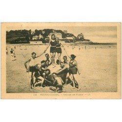 carte postale ancienne 22 PERROS-GUIREC. Scènes de Plage vers 1930