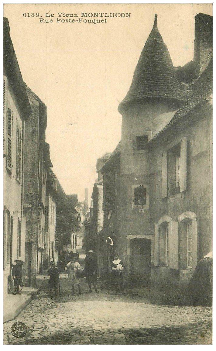 03 montlucon la rue porte fouguet 1918 for Porte carte postale sur pied