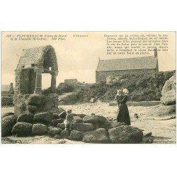 carte postale ancienne 22 PLOUMANACH. Oratoire et Chapelle Saint-Guirec 1911 bien animés