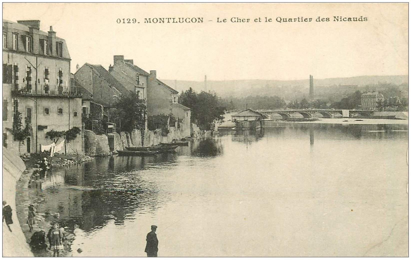 carte postale ancienne 03 MONTLUCON. Le Cher Quartier des Nicauds
