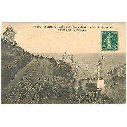 carte postale ancienne 22 SAINT-BRIEUC. Le Légué. Voie du Chemin de Fer à son Terminus avec Hôtel vers 1908. Timbre vierge...