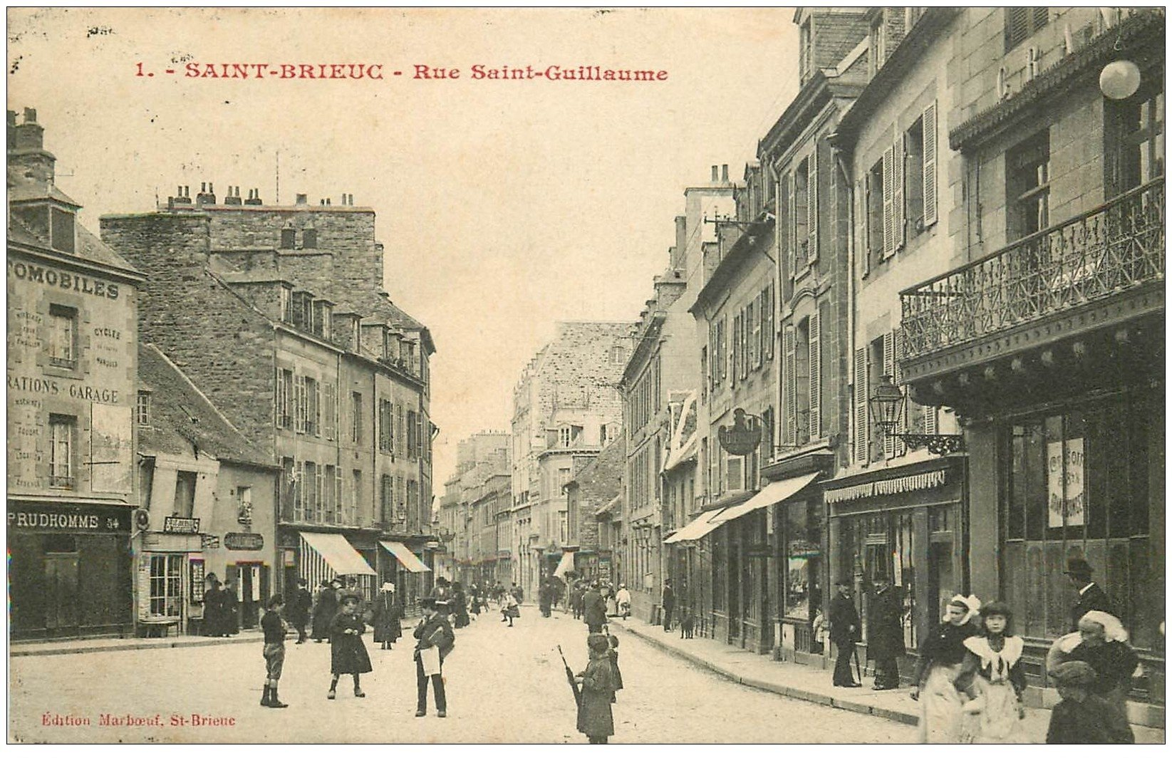 22 saint brieuc rue saint guillaume 1914 magasin journaux et cartes postales jeune vendeur de. Black Bedroom Furniture Sets. Home Design Ideas