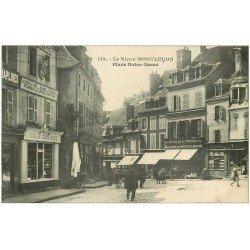 carte postale ancienne 03 MONTLUCON. Place Notre-Dame. Turlin Confiseur et Bazar